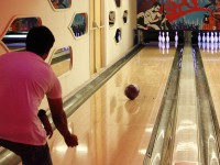 Have fun playing bowling in Oradea