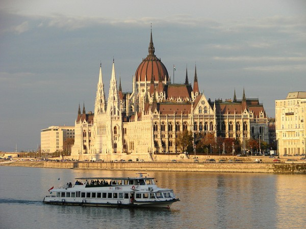 Danube River Cruise, Parliament of Budapest, ©Adam Jones, Ph.D. - Global Photo Archive/Flickr