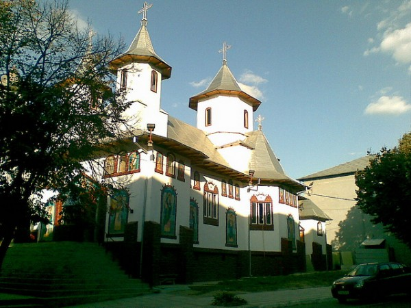 Church in Macin, Tulcea, ©ThyPope/Flickr